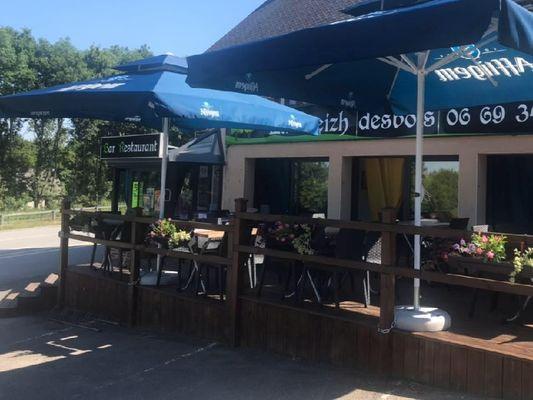 restaurant - La Breizh Desbois - terrasse - Loyat - Brocéliande