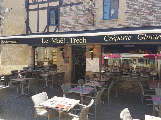 Facade restaurant - Malestroit - 2016