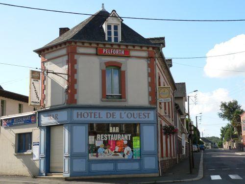 L'hôtel de l'ouest à Montfort sur Meu