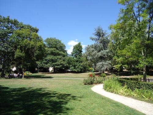 Le parc municipal à Montfort
