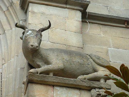 Malestroit boeuf église St-Gilles