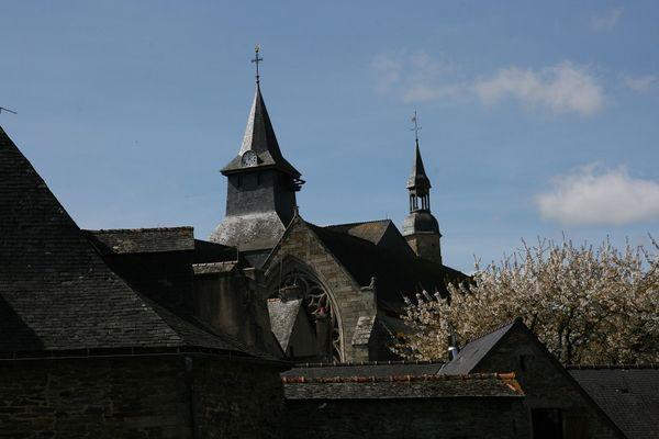 Malestroit clocher église St Gilles