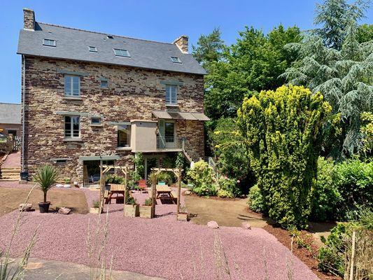 cote_jardin_-_maison_des_legendes_paimpont_-_3