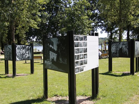 exposition lac au Duc - Taupont - Brocéliande