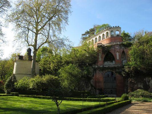 Château de Poncé - Pigeonnier et folie