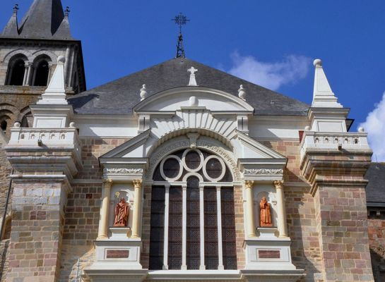 24307_cathedrale_laval1