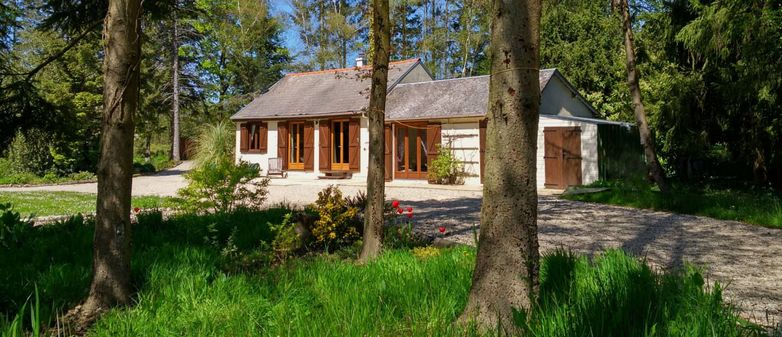 321538_accommodation-for-carp-fishing-in-france-with-lake-and-lodge