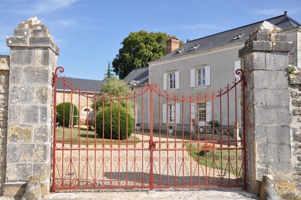 HLO-chambre-hote-le-rocher-la-bazouge024