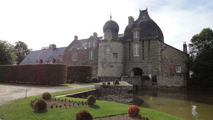 PCU53-Chateau-de-Montesson-Bais-2-OT-Ste-Suzanne-Les-Coevrons