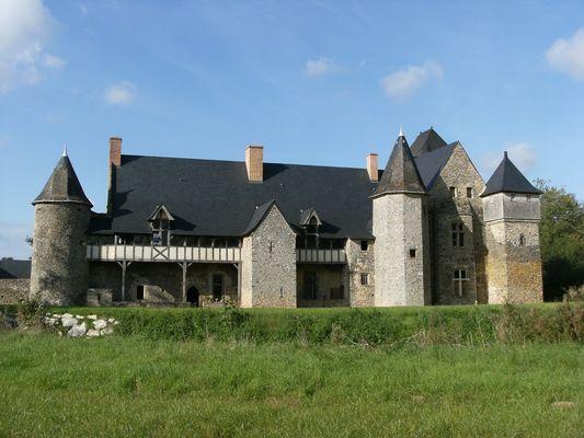 PCU53_Château de la Grande Courbe_Brée_web2