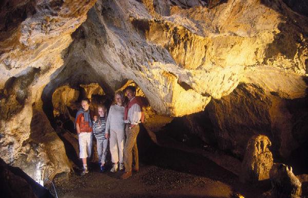 PCU53_Grottes de Saulges1