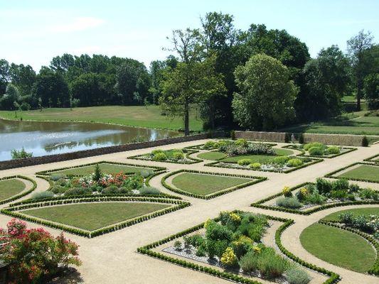 PCU-jardins-du-chateau-des-arcis-1
