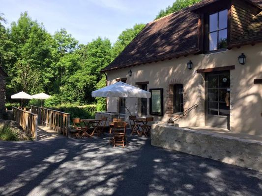 RES53-restaurant-la taverne des grottes