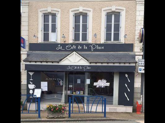 RES-cafe-de-la-place-villiers-charlemagne-05