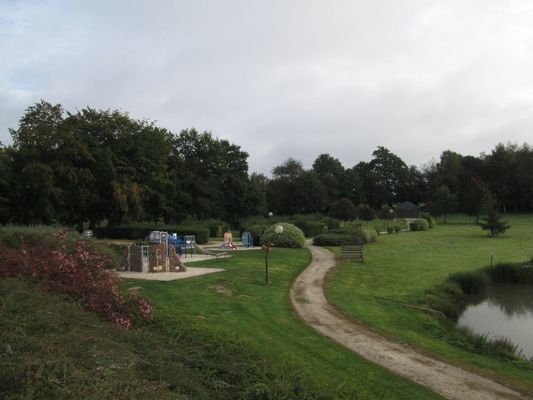 aire-naturelle-de-camping-fougerolles-du-plessis-53-loi-2