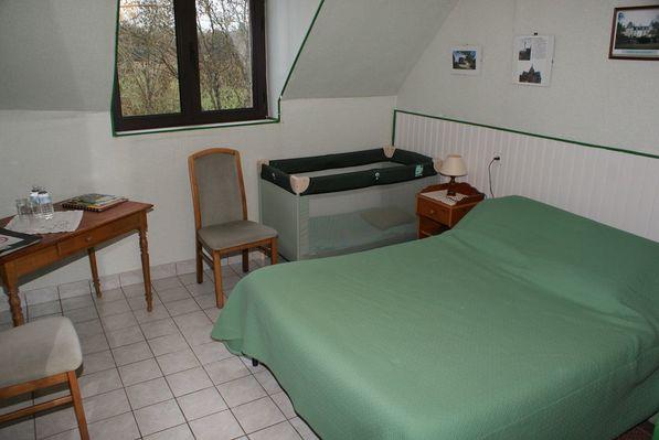 chambre-d-hotes-le-perron-souce-53-hlo-8