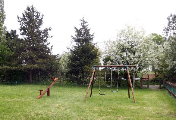 Gîte Jouet à Loupfougères - jardin