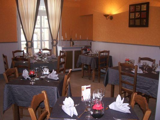 hotel-restaurant-le-gue-de-genes-ambrieres-les-vallees-53-res-4