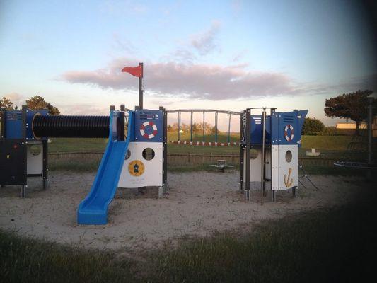 Bréhal_Camping de la Vanlée_aire de jeux