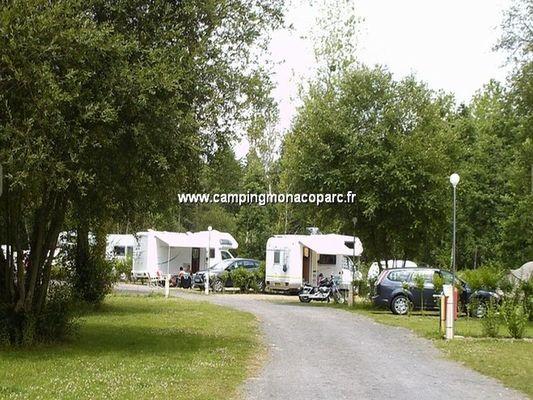camping-monaco-parc-longny-au-perche