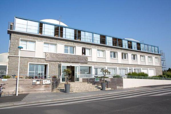 coudeville-sur-mer-hotel-restaurant-le-relais-des-iles-1