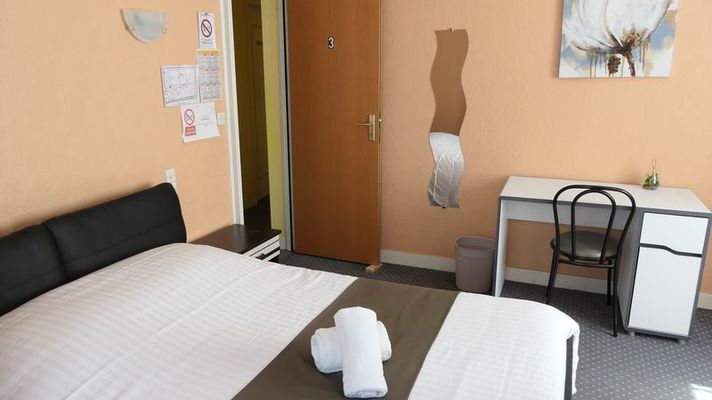 la-haye-pesnel-hotel-duguesclin-5