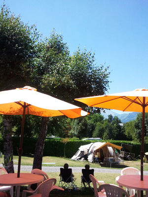 terrasse3-campingdulac-arcizansavant-HautesPyrenees