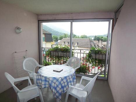 veranda-abbadie-agosvidalos-HautesPyrenees
