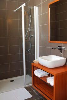 HOTEL BRECHE DE ROLAND - Salle d'eau 1