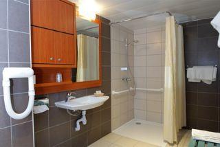 HOTEL BRECHE DE ROLAND - Salle d'eau 2