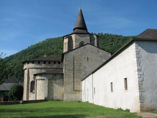 abbatialesaintsavin1-saintsavin-HautesPyrenees.jpg