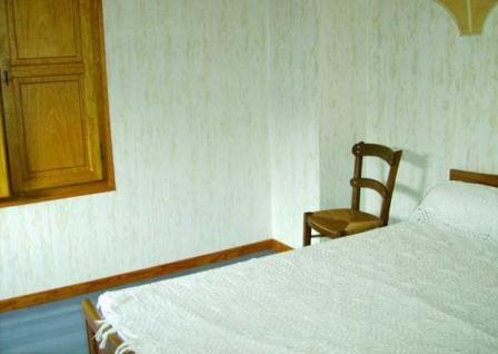chambre-broueilhfrancis-beaucens-HautesPyrenees