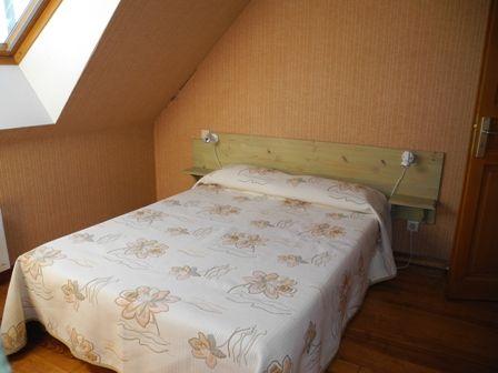 chambre-habatjou1-ayzacost-HautesPyrenees.jpg