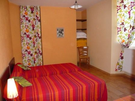 chambre3viscos-hemadou-agosvidalos-HautesPyrenees.jpg