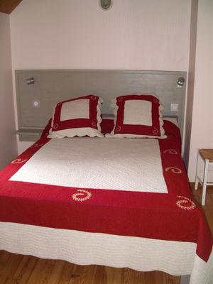 chambre1-theil-esterre-HautesPyrenees