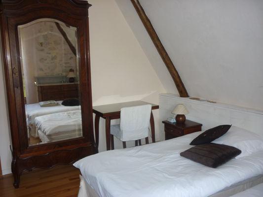 chambre1-dubie-arrensmarsous-HautesPyrenees
