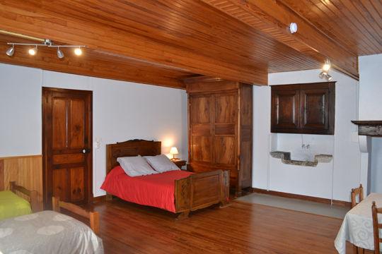 chambre1-lanne-aucun-HautesPyrenees