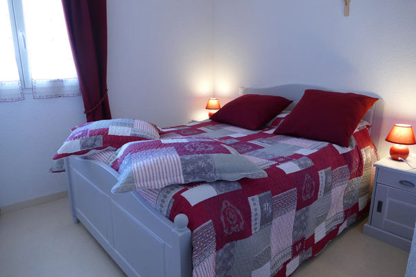 chambre1-lepine-argelesgazost-HautesPyrenees