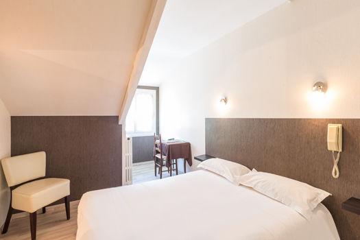 chambre1-lescimes-argelesgazost-HautesPyrenees