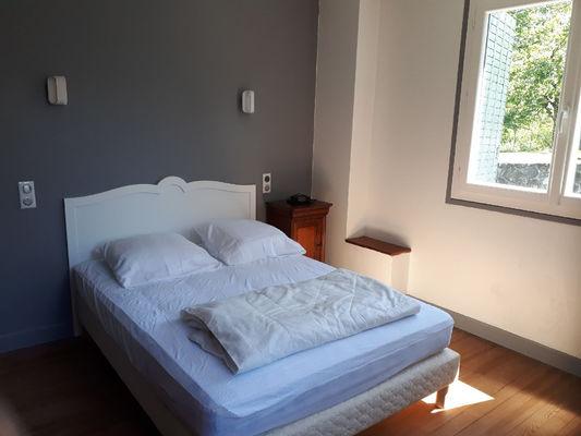 chambre1-philippart-argelesgazost-HautesPyrenees