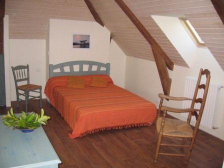 chambre1viscos-hemadou-agosvidalos-HautesPyrenees.jpg