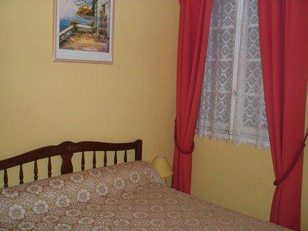 chambre2-batmaison-argelesgazost-HautesPyrenees