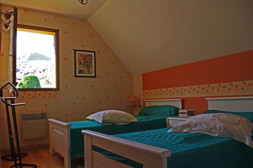 chambre2-blanc-argelesgazost-HautesPyrenees
