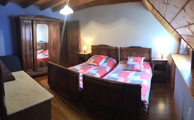 chambre2-chambred'hotedubarry-pierrefittenestalas-HautesPyrenees
