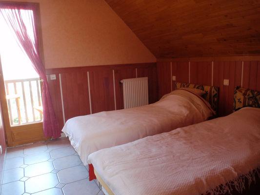 chambre2-crequy-ouzous-HautesPyrenees