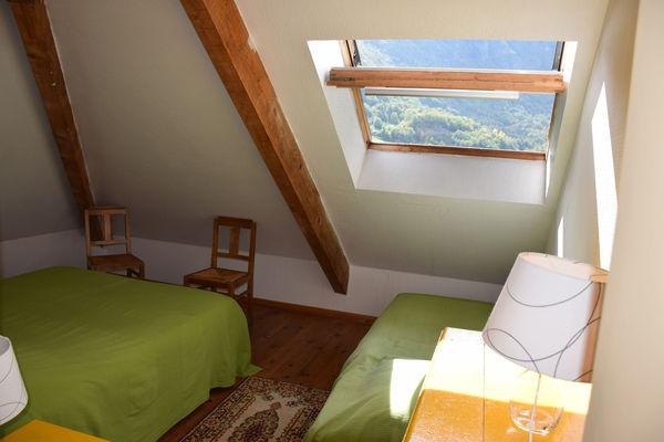 chambre2-garderes-gedre-HautesPyrenees