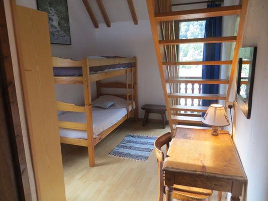 chambre2-grangeaubois-viella-HautesPyrenees