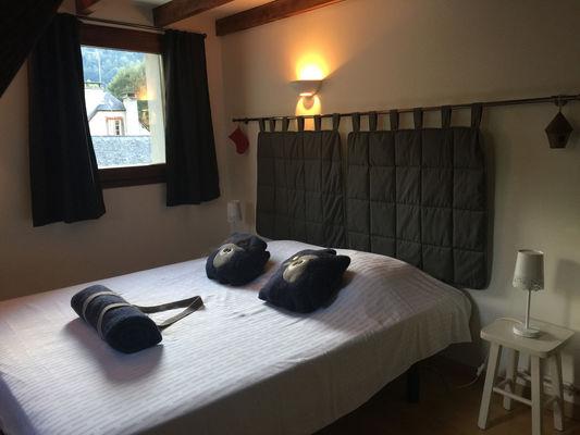 chambre2-maisoncamelat-arrensmarsous-HautesPyrenees