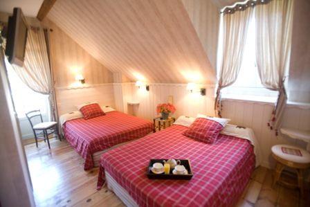 chambre3-hotelbonrepos-jarno-argelesgazost-HautesPyrenees.jpg