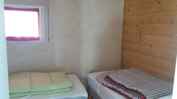 chambre4-burjouanne-saintsavin-HautesPyrenees